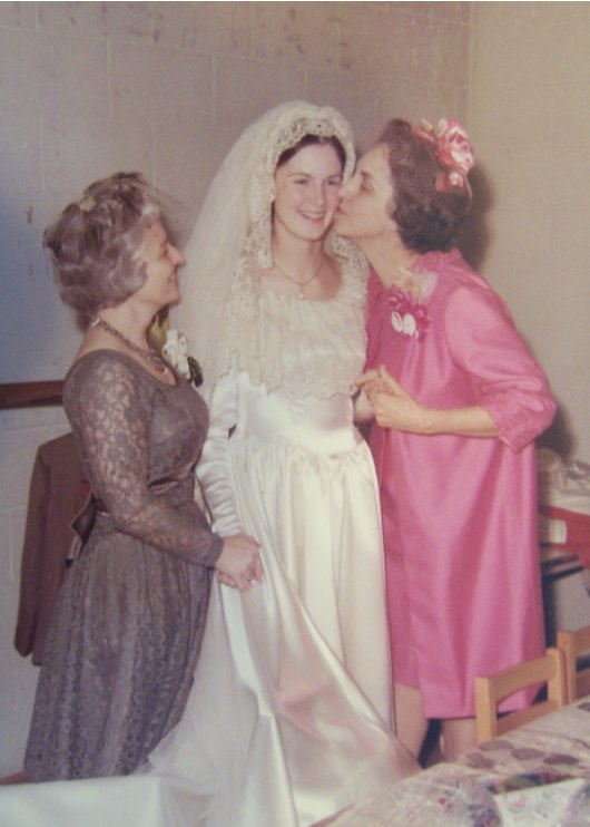 Moms with Noel the bride