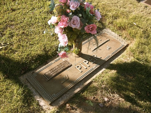 Bill and Ruth Piper's grave